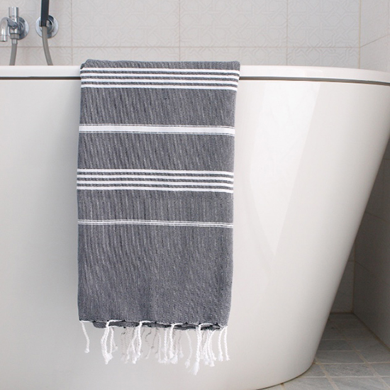 BathTBlack