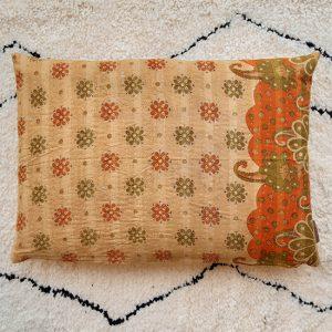 Q67168kantha cushion