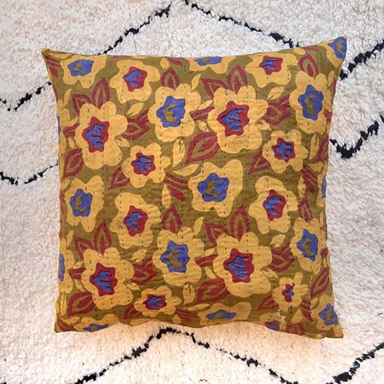 Q73038F kantha cushion